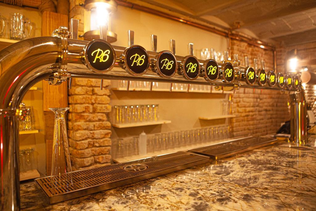 Tiradores del Ruta 6 Brewery